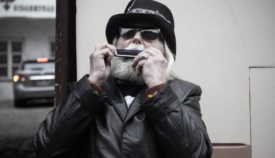 harmonica_guy