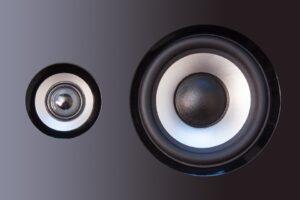 turntable speakers